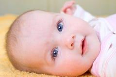 Bebé del bebé portrait.cheerful del pequeño niño Fotografía de archivo libre de regalías