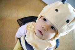 Bebé en abeja de la mascarada Fotos de archivo libres de regalías