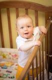 Bebé en adiós beddy foto de archivo