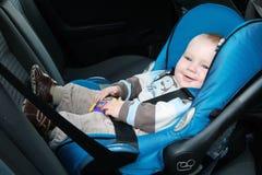 Bebé en asiento de coche Fotografía de archivo libre de regalías