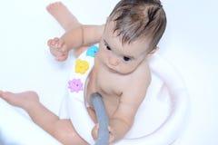 Bebé en baño Imagenes de archivo