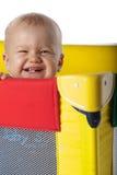 Bebé en choza que viaja foto de archivo
