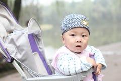 Bebé en cochecito Imágenes de archivo libres de regalías