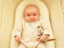 Bebé en cuna Imagen de archivo libre de regalías