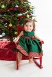 Bebé en el árbol de navidad Imágenes de archivo libres de regalías