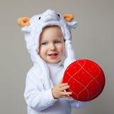Bebé en el Año Nuevo 2015 del sombrero de las ovejas Fotografía de archivo libre de regalías