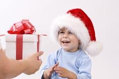 Bebé en el sombrero de santa Foto de archivo libre de regalías