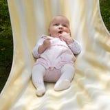 Bebé en hamaca Foto de archivo