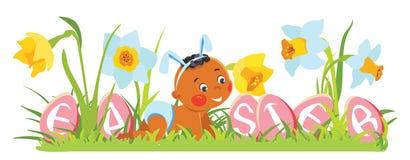 Bebé en oídos del conejito con los huevos decorativos Imágenes de archivo libres de regalías