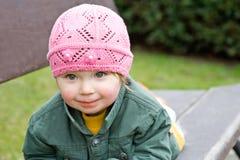 Bebé en parque Foto de archivo