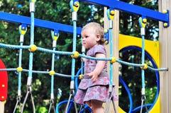 Bebé en patio Foto de archivo libre de regalías