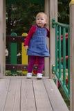 Bebé en patio Fotografía de archivo libre de regalías