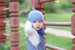 Bebé en patio Imagen de archivo libre de regalías