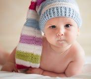 Bebé en sombrero fotos de archivo