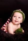 Bebé en sombrero hecho punto Fotografía de archivo