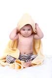 Bebé envuelto en toalla Imagen de archivo libre de regalías