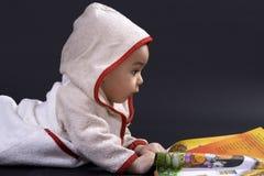 Bebé feliz el tiempo de la historia Fotografía de archivo