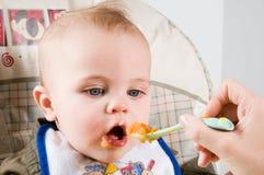 Bebé hambriento fotografía de archivo libre de regalías