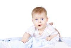 Bebé hermoso de mentira imágenes de archivo libres de regalías