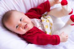 Bebé hermoso en equipo del ` s de Valenentine Fotografía de archivo libre de regalías