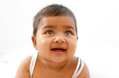 Bebé indiano que olha acima Foto de Stock Royalty Free