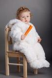 Bebé lindo con el traje del conejo Fotografía de archivo libre de regalías