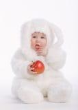 Bebé lindo con el traje del conejo Imágenes de archivo libres de regalías