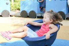 Bebé lindo en patio Imagen de archivo