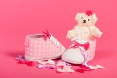 Bebé llevado Imagen de archivo libre de regalías