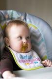 Bebé que es introducido Fotos de archivo libres de regalías