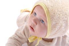 Bebé que se arrastra en la manta fotografía de archivo