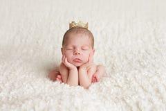 Bebé real en corona Imágenes de archivo libres de regalías