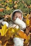 Bebé recién nacido del otoño foto de archivo