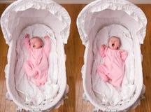 Bebé recién nacido que bosteza en cuna Fotos de archivo