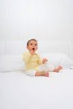 Bebé soñoliento imágenes de archivo libres de regalías