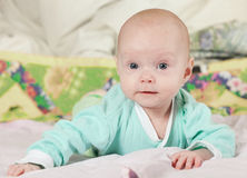 Bebé sonriente Expresión alegre Fotos de archivo