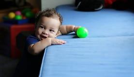 Bebé sonriente feliz Fotos de archivo libres de regalías