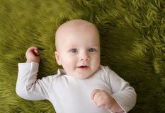 Bebé sonriente feliz de la Navidad Imagenes de archivo
