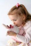 Bebé y conejito rosado Imagen de archivo libre de regalías