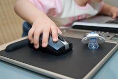 Bebé y cuaderno Imagen de archivo libre de regalías