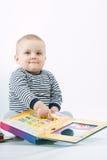 Bebé y libros Fotos de archivo libres de regalías
