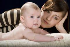 Bebé y madre Imágenes de archivo libres de regalías