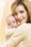 Bebé y momia Imagen de archivo libre de regalías