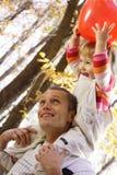 Bebé y padre Foto de archivo libre de regalías