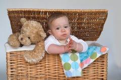 Bebé y peluche Fotos de archivo libres de regalías