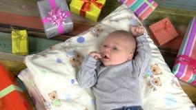 Bebé y presentes almacen de video