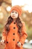 Bebê à moda no revestimento do inverno fora Imagens de Stock