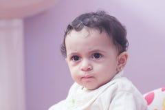 Bebê árabe triste Fotografia de Stock