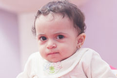 Bebê árabe triste Imagem de Stock
