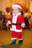 Bebê adorável como Papai Noel - Natal imagens de stock